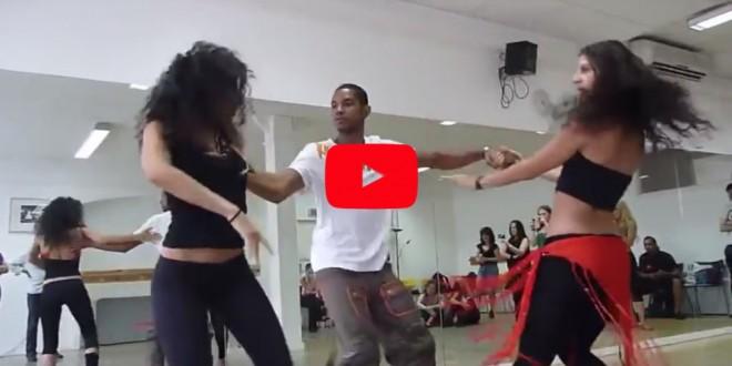 Завораживающий танец! Парень зажигает с двумя девушками !