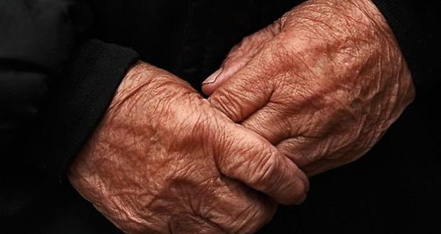 Сын решил отдать в дом престарелых свою мать. Ее слова разрывают душу на части.
