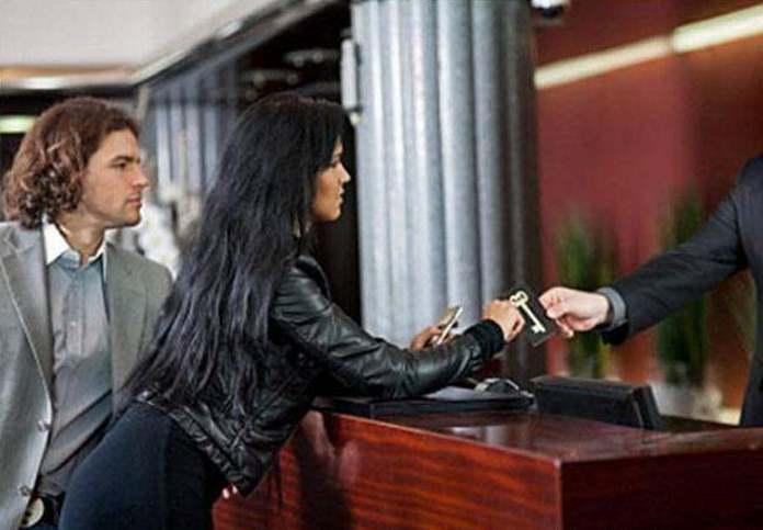 Супружеская пара переночевала в московской гостинице. Утром им предъявляют счёт...