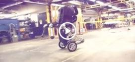 Аж страшновато стало при виде этого робота! Ну вот и всё, Привет человечеству!