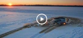 СЛАБОНЕРВНЫМ НЕ СМОТРЕТЬ!!! Как уходили под лед машины! 18+