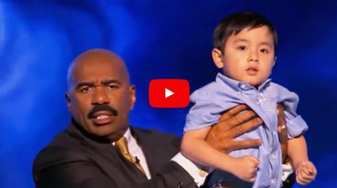 Нереальный пацан! Китайский 5-летний вундеркинд показал высший уровень игры на пианино.