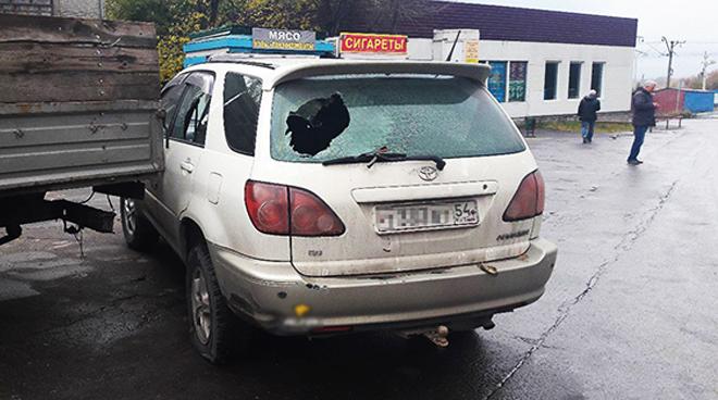 Бойцы Росгвардии по ошибке обстреляли автомобиль невиновного мужчины, после выволокли его и избили