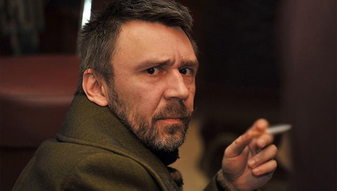 Скандально известный Сергей Шнуров купил квартиру пенсионерке, которая 30 лет прожила в конюшне