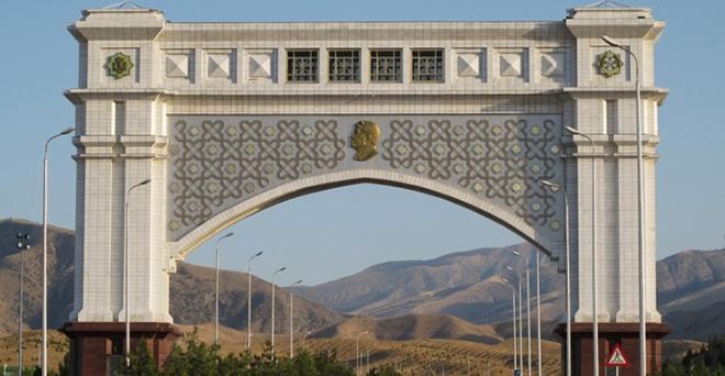 Жизнь в Туркмении: бесплатный бензин, низкие цены и полное отсутствие коммуналки