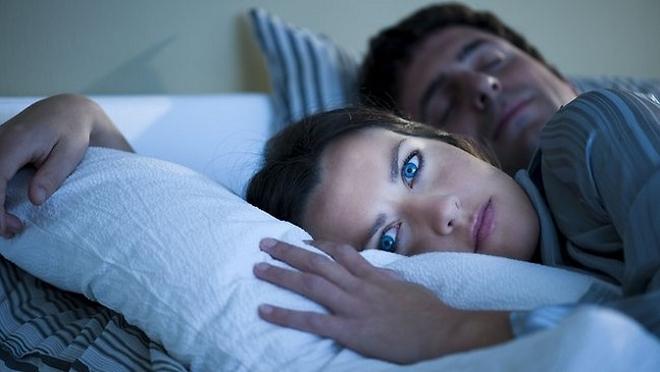 НИКОГДА не стоит игнорировать ночные пробуждение. Каждое из них что-то означает...
