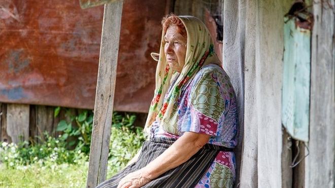 В жизни этой женщины уже не было счастья. Овдовела она в 68 лет и уже не видела смысла жить, но ей пришла идея...