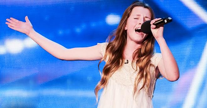 Судьи рассмеялись, когда узнали, какую песню выбрала эта девочка. Но с первых нот все были изумлены!